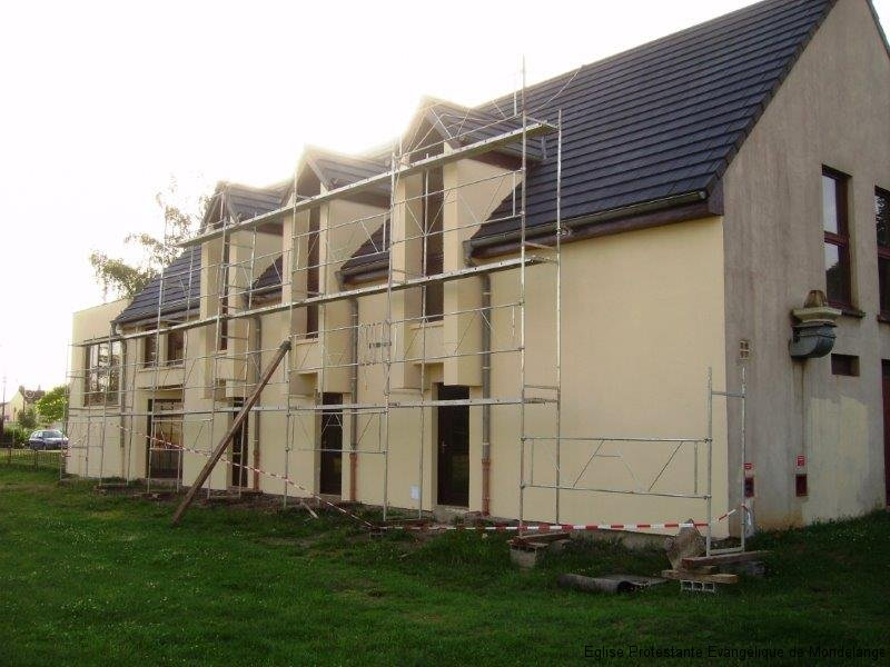 Vue de la façade sud avec échafaudage (troisième photo)