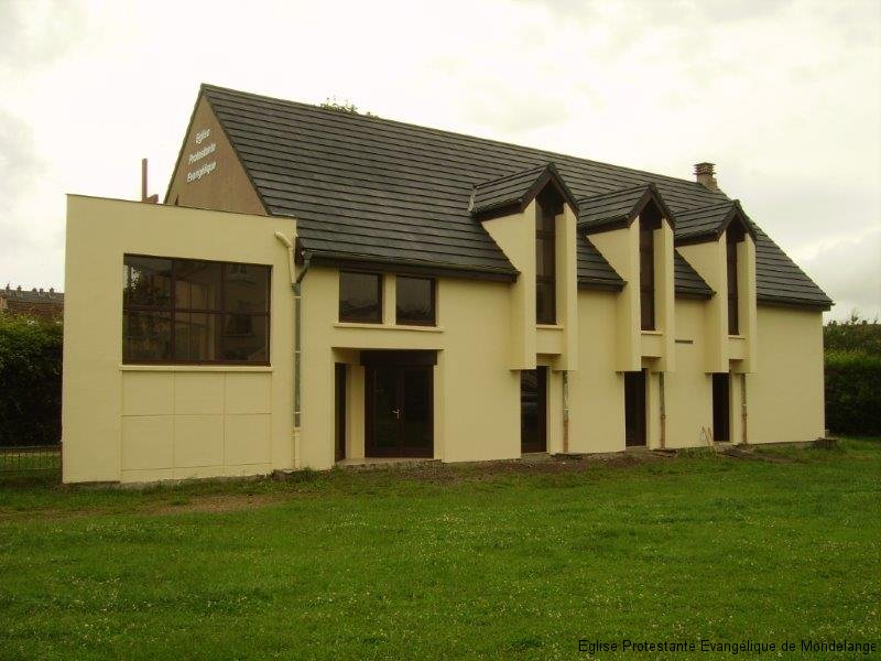 Vue de la façade sud sans échafaudage (deuxième photo)