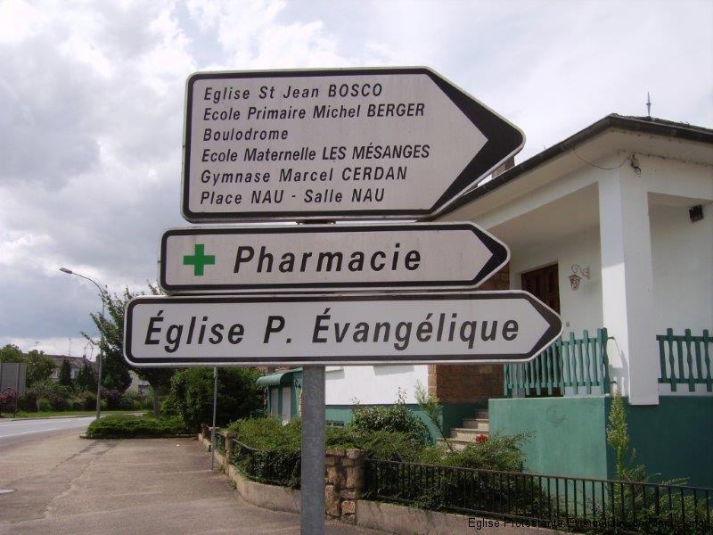 Panneau indicateur de la rue des Hirondelles